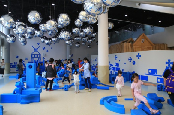Soft play and construction (AND destruction!) at Seoul's Children's Museum (Image: Kids Fun In Seoul)